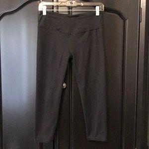 Pants - Fabletics black yoga capris sz Small